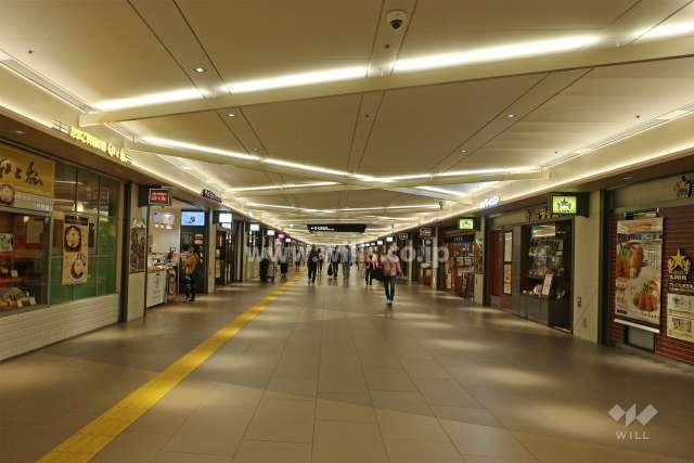 栄地下街1