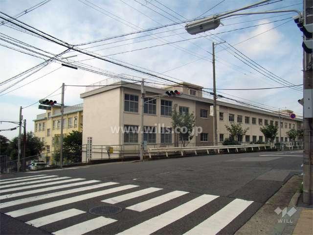上野中学校