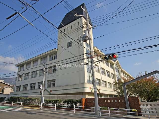 六甲小学校